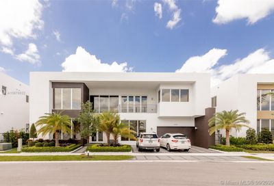 10305 NW 75th Ter Doral FL 33178