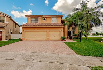 12649 NW 18th Mnr Pembroke Pines FL 33028