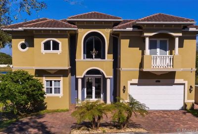 3521 Forest View Cir Dania Beach FL 33312