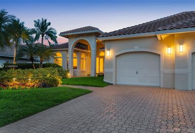105 Dockside Cir Weston FL 33327