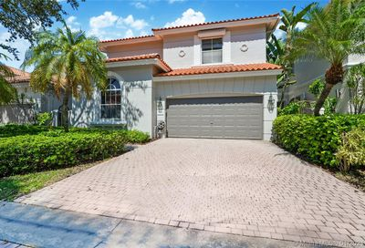 1539 Shoreline Way Hollywood FL 33019