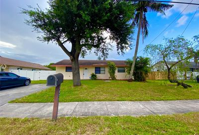 5475 SW 42nd St Davie FL 33314
