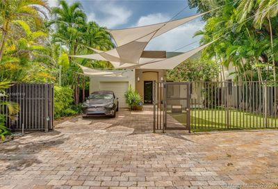 2533 Andros Ave Coconut Grove FL 33133