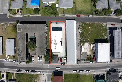 1835 NW 2nd Ct Miami FL 33136