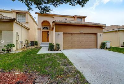 5834 Eagle Cay Cir Coconut Creek FL 33073