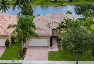 1052 NW 139th Ter Pembroke Pines FL 33028