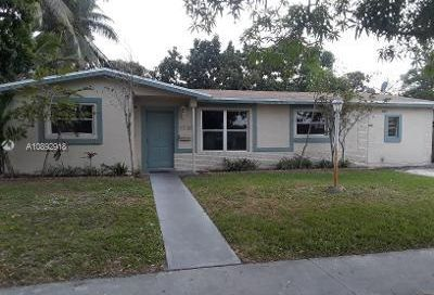 3720 NW 41st St Lauderdale Lakes FL 33309