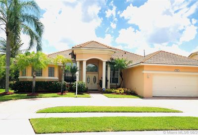 2141 NW 139th Ter Pembroke Pines FL 33028