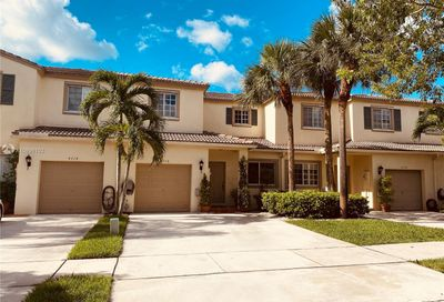 4716 Lago Vista Dr Coconut Creek FL 33073