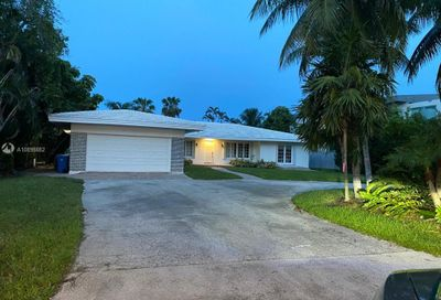 313 Center Island Golden Beach FL 33160