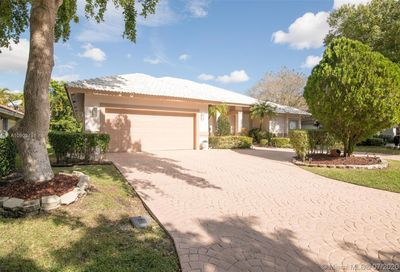 12499 Classic Dr Coral Springs FL 33071