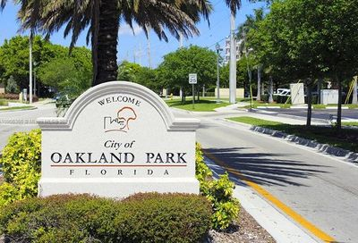 349 NW 40th St Oakland Park FL 33309