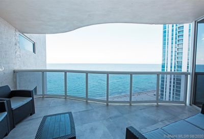 17555 Collins Ave Sunny Isles Beach FL 33160