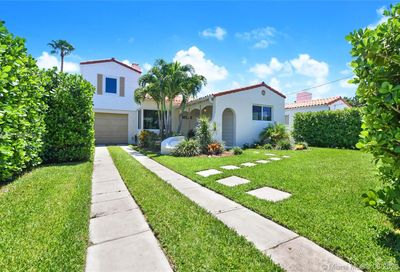 8827 Carlyle Ave Surfside FL 33154