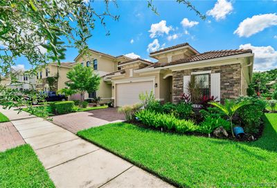 9074 NW 39th St Coral Springs FL 33065