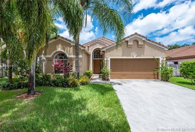 1267 NW 144th Ter Pembroke Pines FL 33028