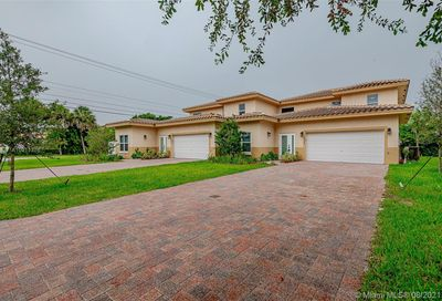 2824 NW 91 Ave Coral Springs FL 33065