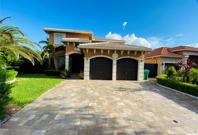 8704 NW 147th Ln Miami Lakes FL 33018