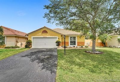 15071 S Waterford Dr Davie FL 33331