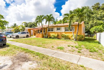 1039 NW 132nd St North Miami FL 33168
