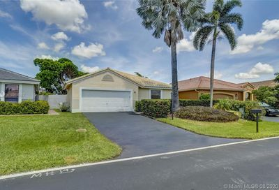 15021 S Waterford Dr Davie FL 33331