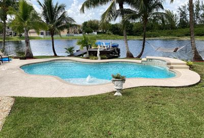 2116 NW 182nd Ave Pembroke Pines FL 33029