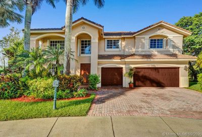 2549 Hunters Run Way Weston FL 33327