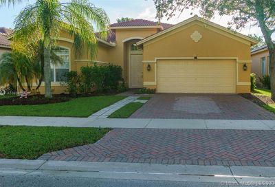 4412 W Whitewater Ave Weston FL 33332