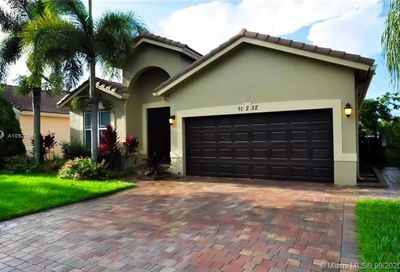 10232 SW 59th St Cooper City FL 33328