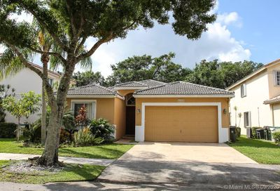 5520 Lake Tern Ct Coconut Creek FL 33073