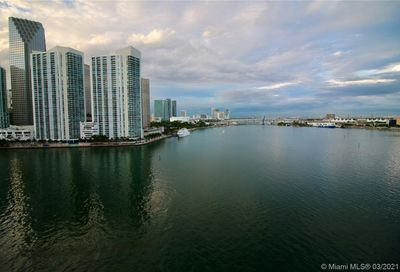 848 Brickell Key Dr Miami FL 33131