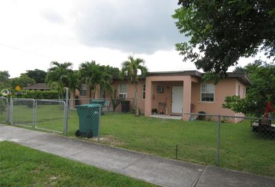 705 NW 10th St Florida City FL 33034