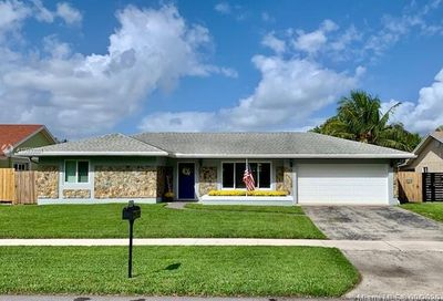 5841 SW 119th Ave Cooper City FL 33330