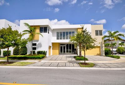 10223 NW 75th Ter Doral FL 33178