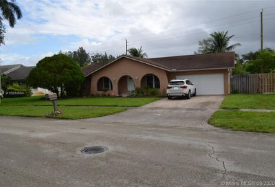 5204 SW 87th Ave Cooper City FL 33328