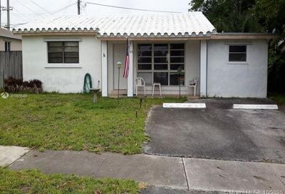 1704 N 32nd Ct Hollywood FL 33021