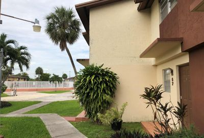 30 SW 108th Ave Sweetwater FL 33174