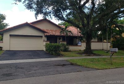 8710 SW 57th Pl Cooper City FL 33328