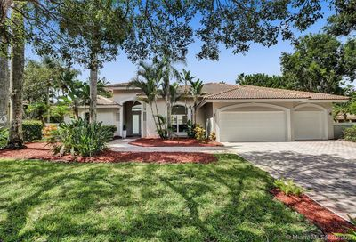 1074 NW 121st Ln Coral Springs FL 33071