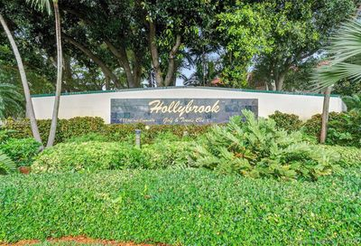 9420 S Hollybrook Lake Dr Pembroke Pines FL 33025
