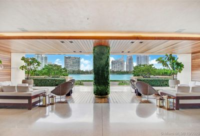 7085 Fisher Island Dr Miami Beach FL 33109