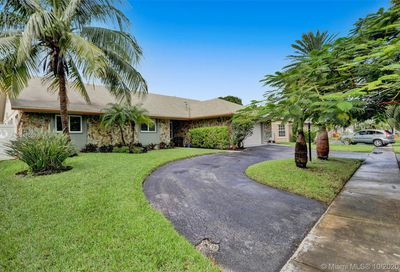 1450 NW 122nd Ave Pembroke Pines FL 33026