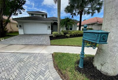 2012 Harbor View Cir Weston FL 33327