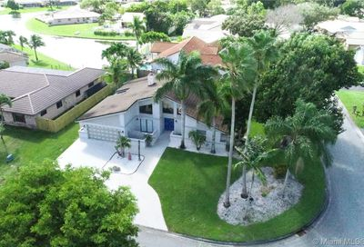 680 NW 111th Way Coral Springs FL 33071