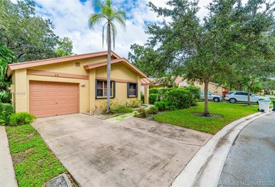 4409 Cordia Cir Coconut Creek FL 33066
