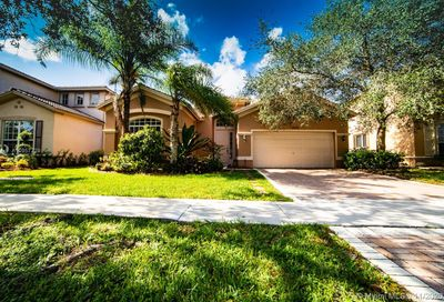 19324 Stonebrook St Weston FL 33332