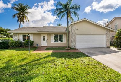 2365 NW 120th Ln Coral Springs FL 33065