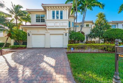 822 Meridian Ln Hollywood FL 33019