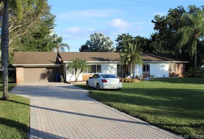 4910 SW 164th Ter Southwest Ranches FL 33331