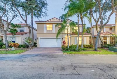 1065 Weeping Willow Way Hollywood FL 33019